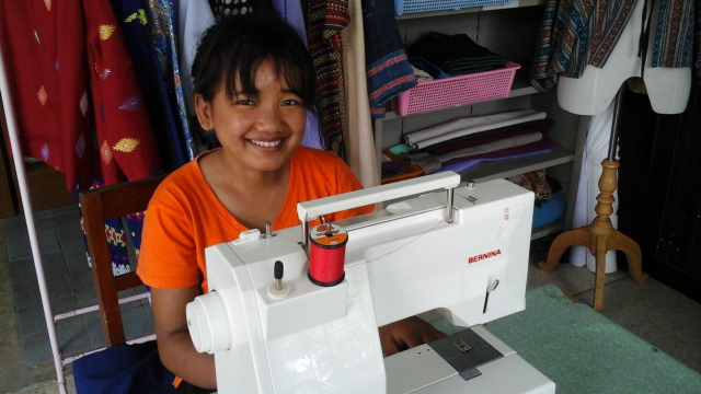 Manual work with BERNINA in Mae Sai