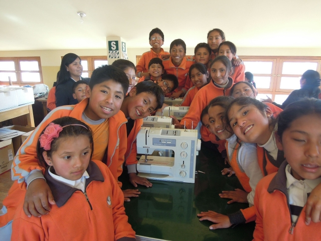 Sewing for mothers and children in Cusco
